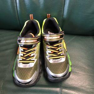 4766f22c31a Boys sketcher light up tennis shoes